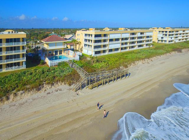 1831 Highway A1a #3105, Indian Harbour Beach, FL 32937 (MLS #839596) :: Platinum Group / Keller Williams Realty