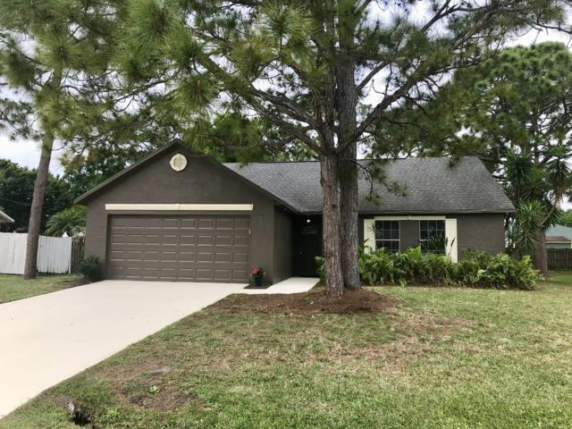850 Hawaii Avenue NW, Palm Bay, FL 32907 (MLS #839864) :: Platinum Group / Keller Williams Realty