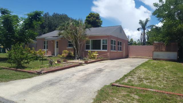 1389 Lenora Drive, Merritt Island, FL 32952 (MLS #848052) :: Premium Properties Real Estate Services