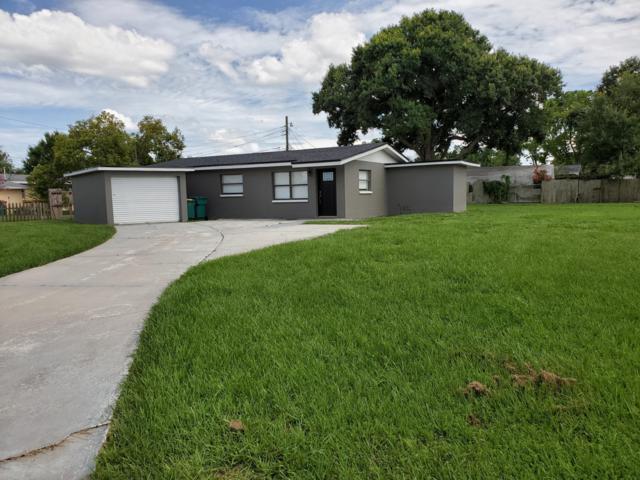 2811 Breeze Ridge Road, Melbourne, FL 32935 (MLS #848302) :: Premium Properties Real Estate Services