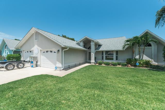 2365 Palm Lake Drive, Merritt Island, FL 32952 (MLS #850812) :: Pamela Myers Realty