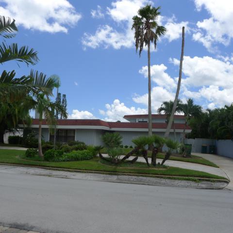 135 Michigan Avenue, Indialantic, FL 32903 (MLS #852799) :: Premium Properties Real Estate Services