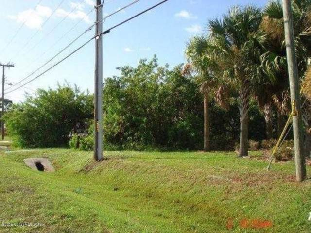 3265 N Courtenay Parkway, Merritt Island, FL 32953 (MLS #856495) :: Blue Marlin Real Estate