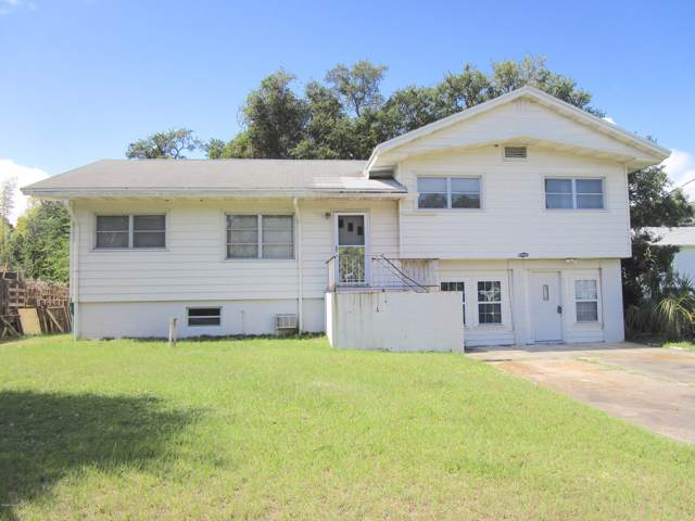 2604 Melwood Drive, Melbourne, FL 32901 (MLS #858451) :: Premium Properties Real Estate Services