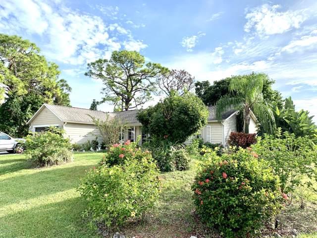 299 SE Vin Rose Circle SE, Palm Bay, FL 32909 (MLS #858672) :: Armel Real Estate