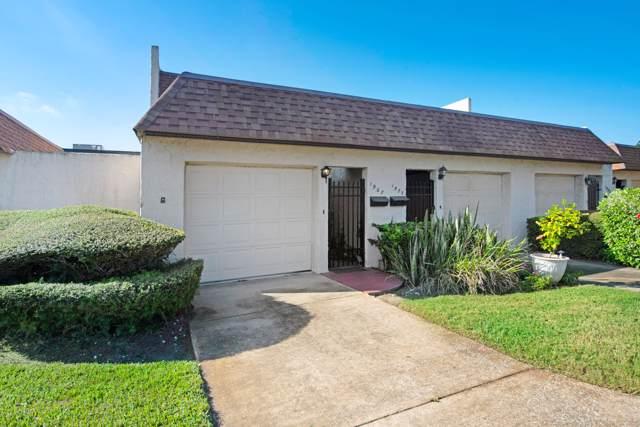 1967 Harrison Street #105, Titusville, FL 32780 (MLS #859102) :: Premium Properties Real Estate Services