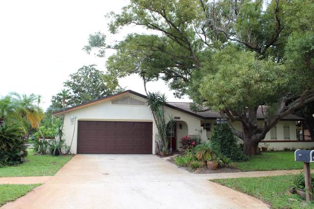 631 Lindsay Avenue, Cocoa, FL 32927 (MLS #861246) :: Premium Properties Real Estate Services