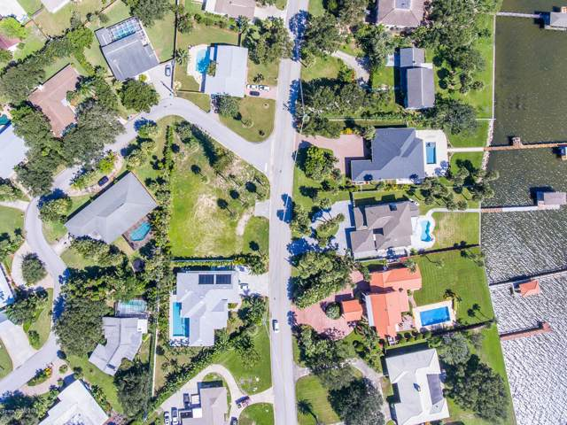 303 Riverside Drive, Melbourne Beach, FL 32951 (MLS #863276) :: Blue Marlin Real Estate