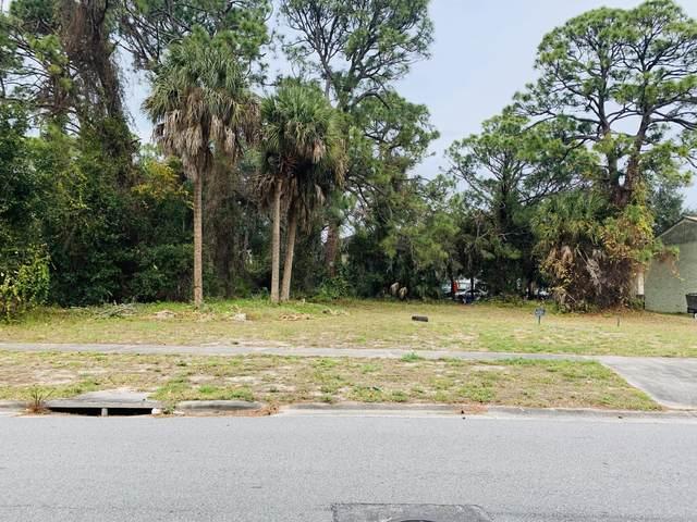 218 Parker Drive, Titusville, FL 32780 (MLS #867337) :: Premium Properties Real Estate Services