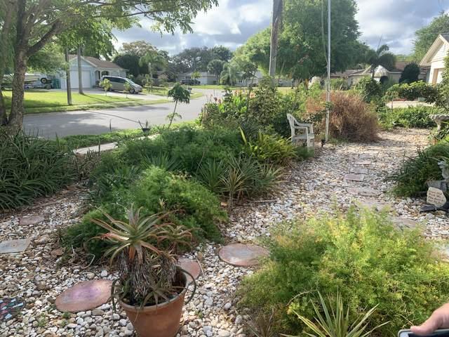 2816 Watkins Drive, Melbourne, FL 32901 (MLS #870984) :: Blue Marlin Real Estate