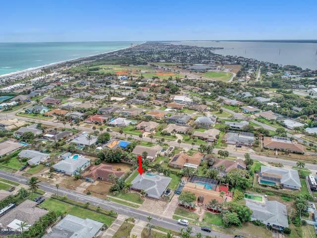 215 Birch Avenue, Melbourne Beach, FL 32951 (MLS #871469) :: Premium Properties Real Estate Services