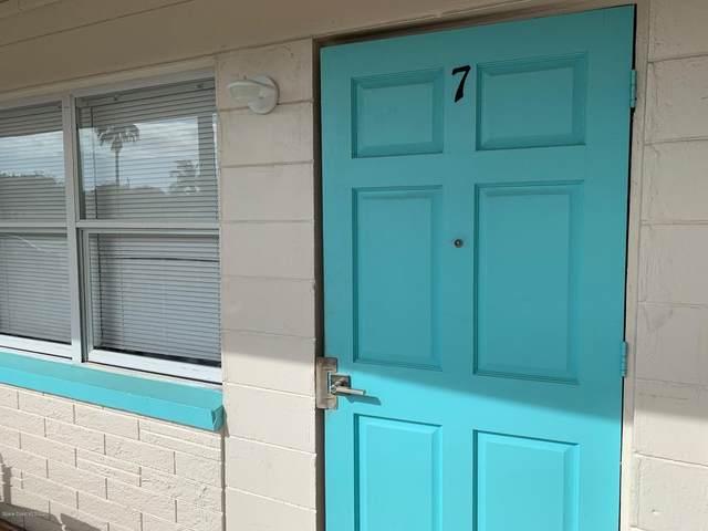 490 S Orlando Avenue #7, Cocoa Beach, FL 32931 (MLS #872088) :: Premium Properties Real Estate Services