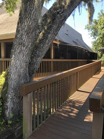 6201 Treetop Drive, Melbourne Beach, FL 32951 (MLS #875000) :: Blue Marlin Real Estate