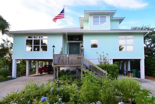 248 Marina Drive, Ft. Pierce, FL 34949 (#876570) :: The Reynolds Team/ONE Sotheby's International Realty