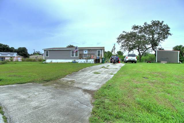 3329 Nab Street, Mims, FL 32754 (MLS #876734) :: Blue Marlin Real Estate