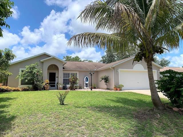 8255 W 98th Avenue, Vero Beach, FL 32967 (MLS #876876) :: Blue Marlin Real Estate