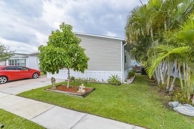 1818 S Mango Street NE, Palm Bay, FL 32905 (MLS #876880) :: Coldwell Banker Realty