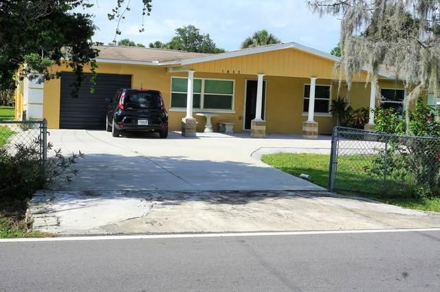 1033 Julia Drive, Melbourne, FL 32935 (MLS #876977) :: Premium Properties Real Estate Services