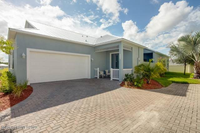 3940 Alamanda Key Drive, Melbourne, FL 32901 (MLS #877326) :: Premium Properties Real Estate Services