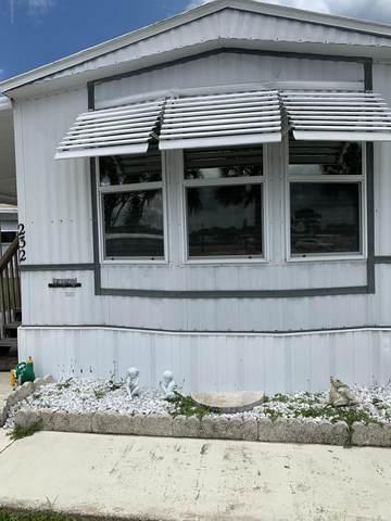232 Holiday Park Boulevard NE, Palm Bay, FL 32907 (MLS #878461) :: Blue Marlin Real Estate