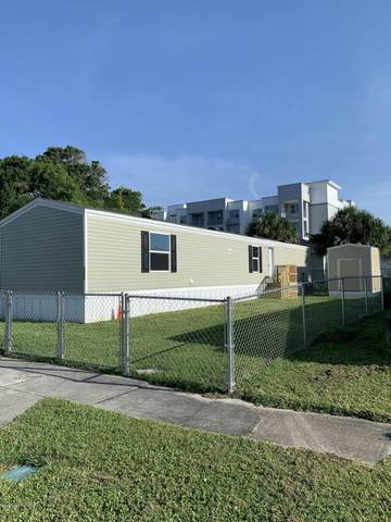 2561 Amberly Road NE, Palm Bay, FL 32905 (MLS #878862) :: Blue Marlin Real Estate