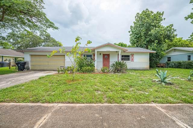 2530 White Oak Lane, Titusville, FL 32780 (MLS #879793) :: Blue Marlin Real Estate
