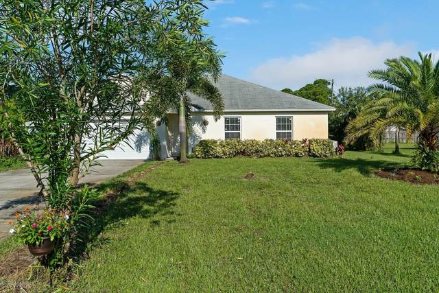 2135 17th Avenue SW, Vero Beach, FL 32962 (MLS #879891) :: Blue Marlin Real Estate