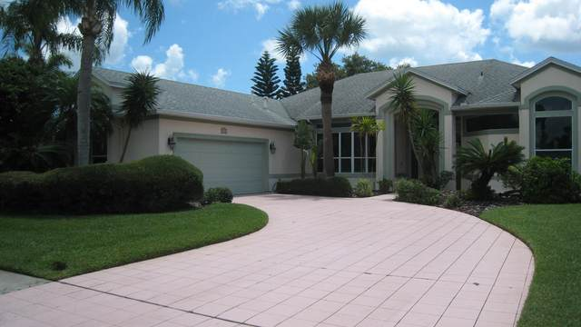 923 Wildwood Drive, Melbourne, FL 32940 (MLS #879924) :: Premium Properties Real Estate Services