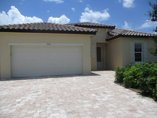 2962 Edington Drive, Titusville, FL 32780 (MLS #879948) :: Premium Properties Real Estate Services