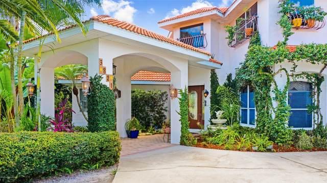 3821 Peacock Drive, Melbourne, FL 32904 (MLS #880358) :: Blue Marlin Real Estate
