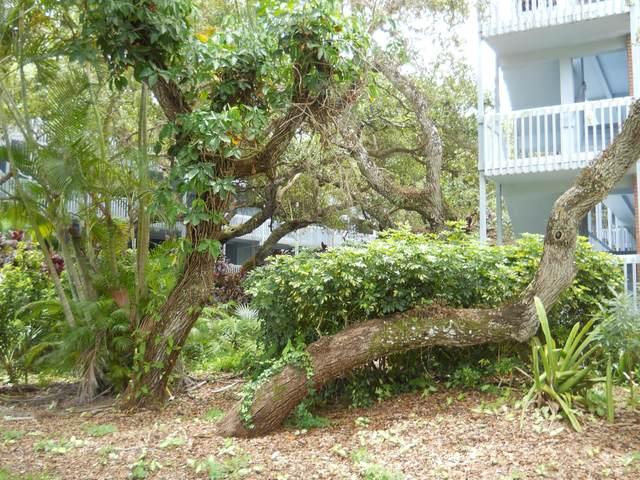 240 Hammock Shore Drive #304, Melbourne Beach, FL 32951 (MLS #880914) :: Engel & Voelkers Melbourne Central