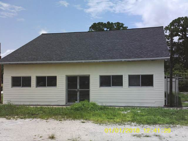 1305 W King Street W, Cocoa, FL 32922 (MLS #881039) :: Blue Marlin Real Estate