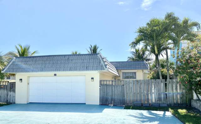 807 S Atlantic Avenue, Cocoa Beach, FL 32931 (MLS #881042) :: Engel & Voelkers Melbourne Central