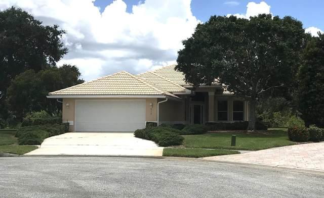 512 Royston Lane, Melbourne, FL 32940 (MLS #881551) :: Blue Marlin Real Estate