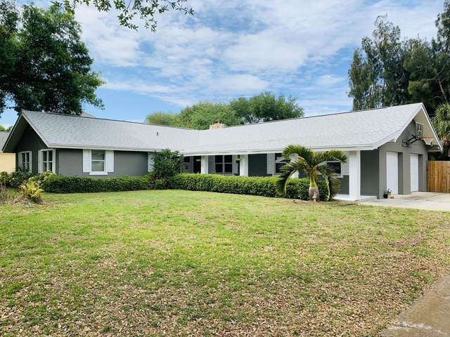 1220 Two Oaks Boulevard, Merritt Island, FL 32952 (MLS #882185) :: Blue Marlin Real Estate