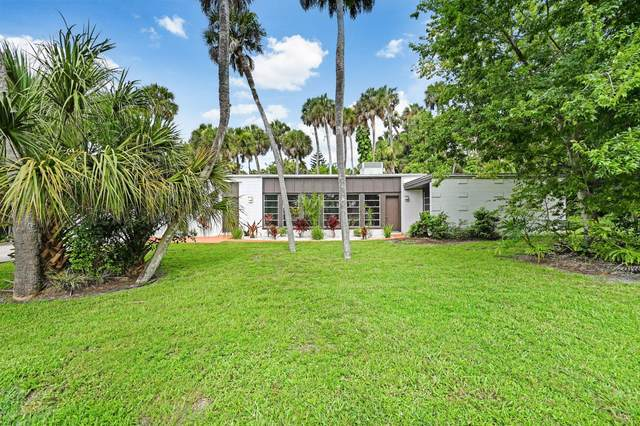 2318 Country Club Road, Melbourne, FL 32901 (MLS #882202) :: Blue Marlin Real Estate