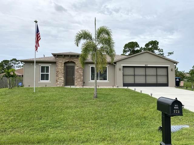 923 Turquoise Street SE, Palm Bay, FL 32909 (MLS #882430) :: Armel Real Estate