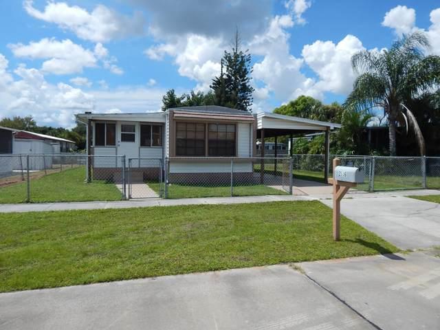 2536 Chatham Way NE, Palm Bay, FL 32905 (MLS #882596) :: Blue Marlin Real Estate