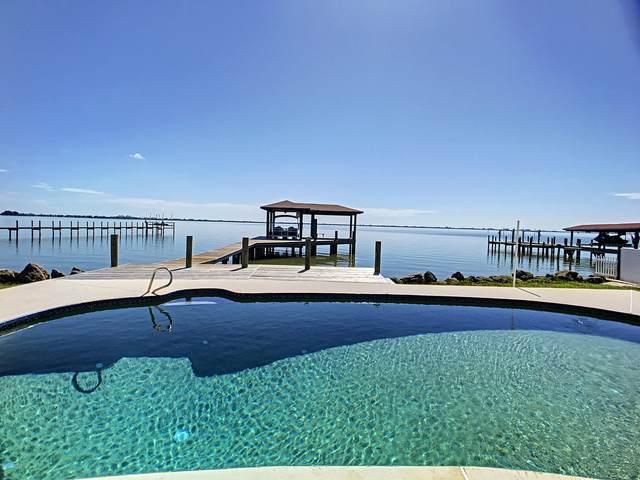 3098 Newfound Harbor Drive, Merritt Island, FL 32952 (MLS #883029) :: Blue Marlin Real Estate