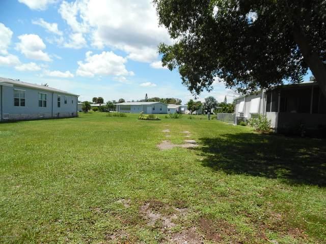 723 Barefoot Boulevard, Barefoot Bay, FL 32976 (MLS #883209) :: Blue Marlin Real Estate