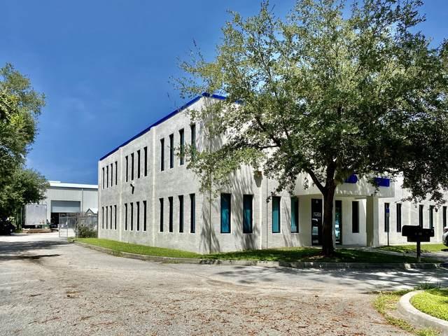 3401 N Courtenay Parkway #101, Merritt Island, FL 32953 (MLS #883762) :: Coldwell Banker Realty