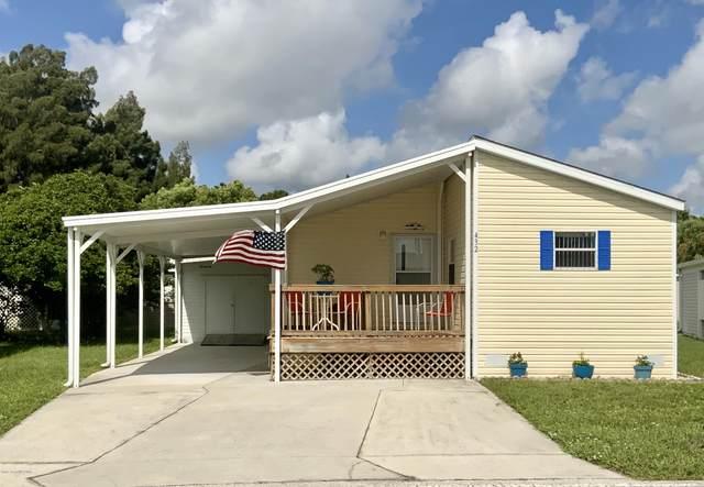 432 Holiday Park Boulevard NE, Palm Bay, FL 32907 (MLS #883812) :: Blue Marlin Real Estate