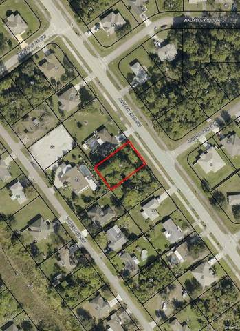 2048 Jupiter Boulevard SW, Palm Bay, FL 32908 (MLS #883822) :: Blue Marlin Real Estate