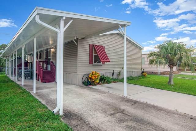 2326 Royal Palm Drive NE, Palm Bay, FL 32905 (MLS #883988) :: Coldwell Banker Realty