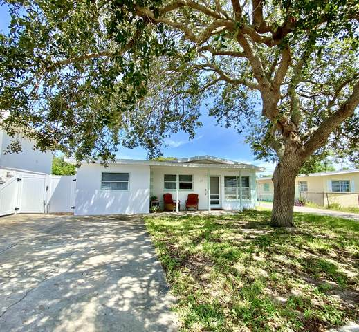 218 Jefferson Avenue, Cape Canaveral, FL 32920 (MLS #884190) :: Premier Home Experts