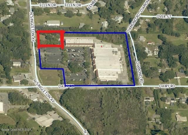 1545 N Singleton Avenue, Titusville, FL 32796 (MLS #884333) :: Premium Properties Real Estate Services
