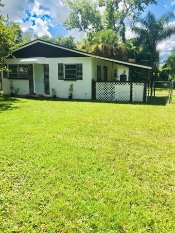 2535 N Palm Drive, Cocoa, FL 32926 (MLS #884386) :: Blue Marlin Real Estate