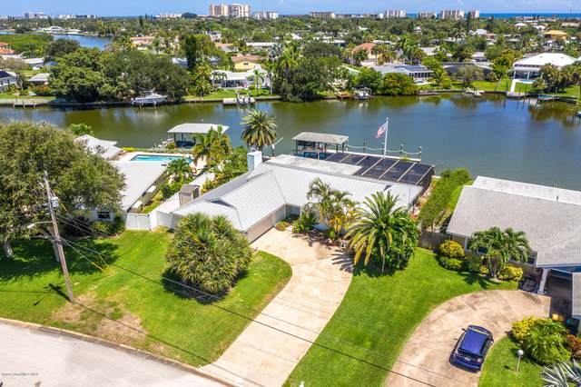 13 Crystal River Drive, Cocoa Beach, FL 32931 (MLS #884536) :: Engel & Voelkers Melbourne Central