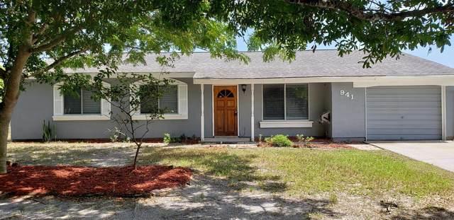 941 NE Hampshire Avenue NE, Palm Bay, FL 32905 (MLS #884537) :: Premium Properties Real Estate Services