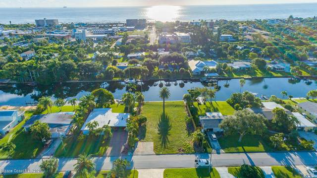 115 Aucila Road, Cocoa Beach, FL 32931 (MLS #885101) :: Blue Marlin Real Estate